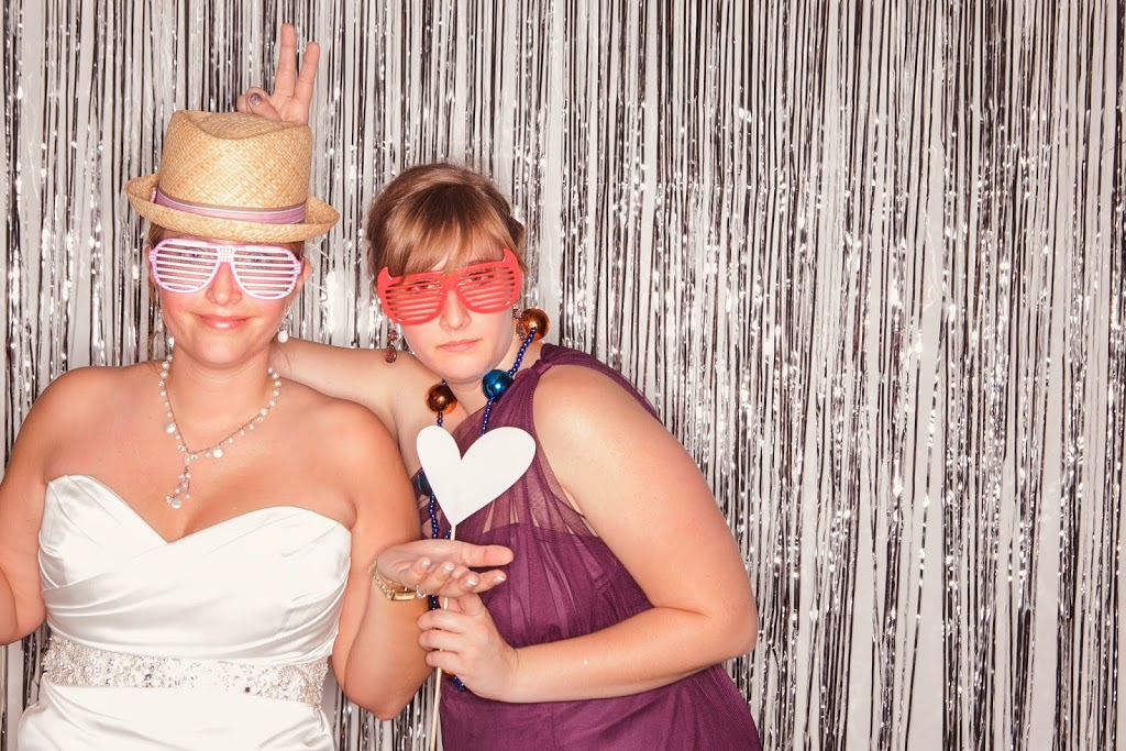 Silly Sisters in Wedding Photobooth - Virginia Blogger