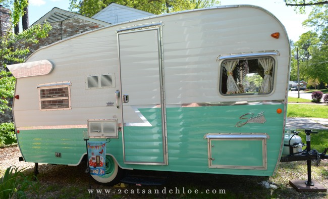 2 cats & chloe: tin can camper the 2015 shasta reissue