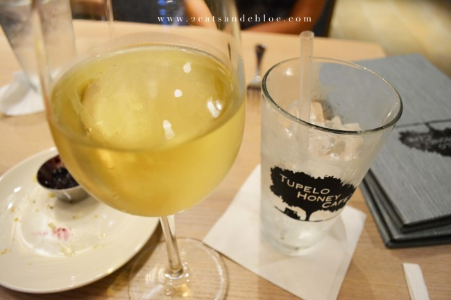 2 cats & chloe: Wine and Cocktails at Tupelo Honey