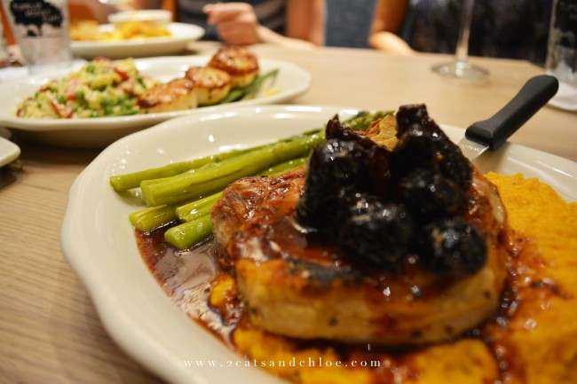 2 cats & chloe: Tupelo Honey Gluten Free Pork Chop with Figs