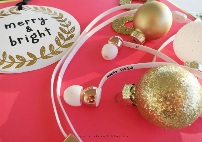 2 cats & chloe: Stocking Stuffers: Sudio Headphones!